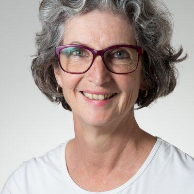Dr Suzann Seals